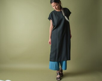 black sack dress / little black black dress / black minimalist dress / s / m / 1960d
