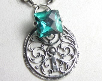 The Shamrock Key Necklace - Apatite set in Sterling SIlver