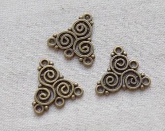 10 Antique Bronze tone Celtic Triskelion Connectors Charms Pendants