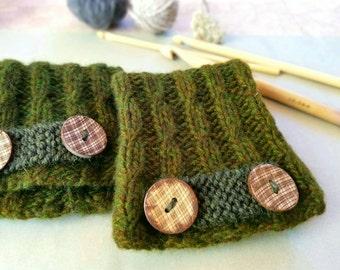 Olive Green Fingerless Gloves. Handknit. Pure Luxury Cashmere.