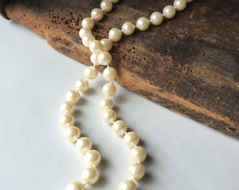 Vintage Faux Pearl Strand, Simple Pearls, Everyday Necklace, Faux Pearl Necklace