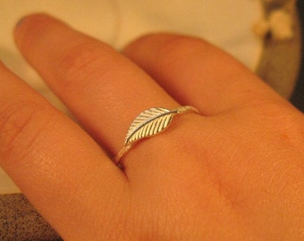 ON SALE - Sterling silver leaf ring,  Silver stack ring, Nature jewelry, Thin delicate ring