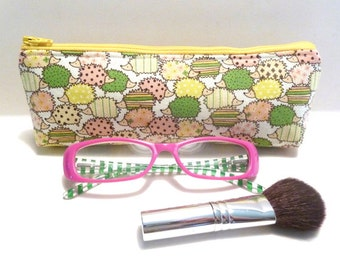 Slim Makeup Bag Brush Bag Pencil Pouch Small Zippered Padded Pouch Eco Friendly Hedgehog