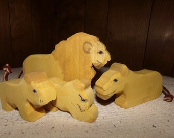 Wooden Lion family waldorf toy