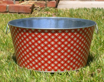 Red and White Picnic Plaid Large Round Galvanized Party Tub