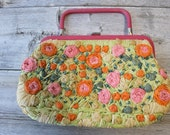 Coming up Flowers Purse, Vintage Floral Purse, Top Handle, Raffia Flowers, Spring Fling, Boho, Chic, Small handbag,
