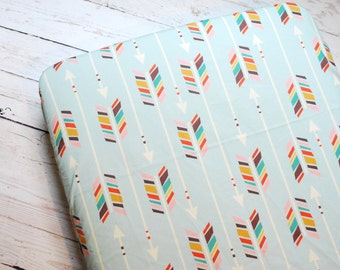 MULTI ARROW Fitted Crib Sheet