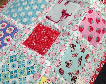 Scrappy Table Runner Cheery Table Mat Ticker Tape Quilt Cottage Table Runner Vintage Style Table Mat Summer Table Topper Dresser Mat
