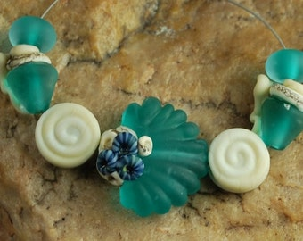 Glass Lampwork Beads, Clam Shell, Sea Shells, Ocean Beads SRA #643 by CC Design