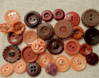 Vintage buttons set of 28 flesh peach caramel brown