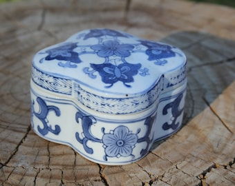 Vintage Ceramic Trinket Box