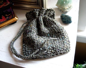 Mossy color drawstring rune pouch. small bag for runes, crystals, dice, shells