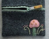 Sweet Valentine Tiny Pink Mushroom Zipper Purse - Pure Wool Grey Zip Purse with Embroidered Mushroom and Ferns - Vintage Mint Zipper
