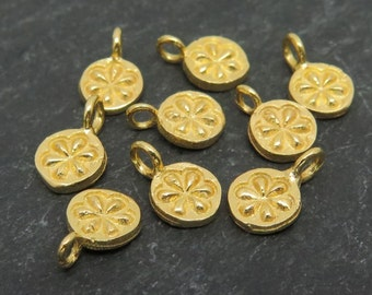 Gold Vermeil Daisy Charm 7mm (ET7780)