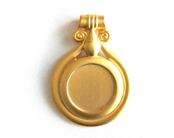 1pc - Matte Gold Plated Rustic Circle Pendant-70x50mm-(012-043GP)