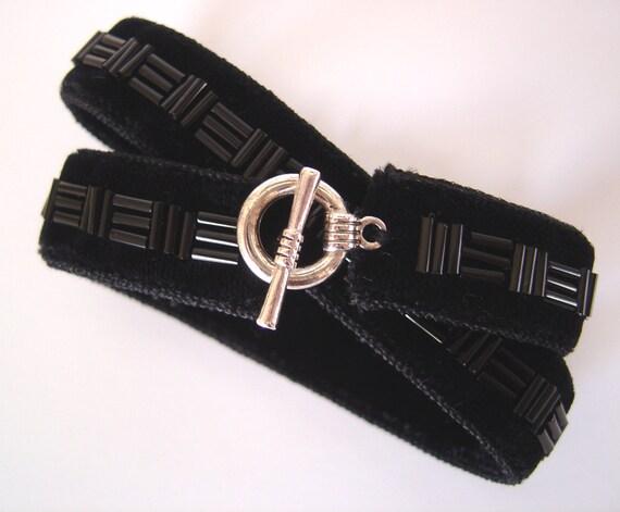 Black Velvet Wrap Around Bracelet, Beaded Black Velvet Ribbon Choker, Silver or Gold Colour Toggle Clasp, Gift For Her, Black Velvet Choker