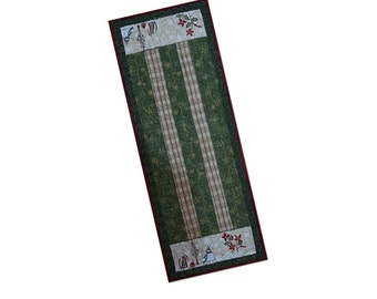 Christmas Holiday Table Runner Quilted Green and Gold Free USA Shipping