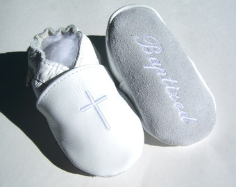 white baptism shoes - embroidered leather baptism shoes - baptism booties , christening shoes , crisening bootie