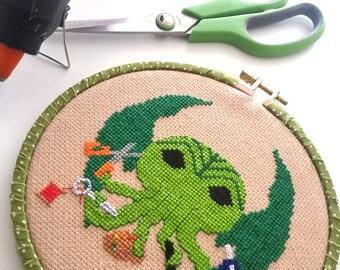 Arts and Craftsthulhu  7 inch 17cm Cross Stitch - Ready to Hang original design- Cthulhu HP Lovecraft Maker Fan Art OOAK-crafty-handmade