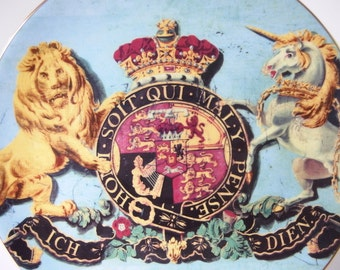 Vintage Buckingham Palace Royal Coat of Arms Souvenir Plate