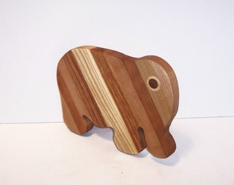 ELEPHANT Cheese Cutting Board Handcrafted from Mixed Hardwoods
