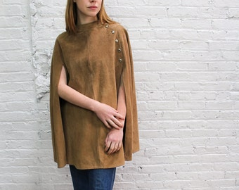 70s suede poncho / tan suede cape / boho leather poncho