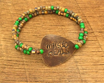 Guitar Pick Bracelet Music Heals festival fashion rustic saying quote rocker As Seen at GBK's 2016 MTV Movie Awards Celeb Gift Lounge