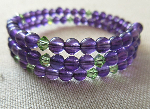 Purple and green pi bracelet would be a great sciart gift for math/science teachers or graduates.