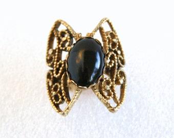 Vintage Filigree Statement Ring Antiqued Goldtone Onyx Black Cabochon Statement Ring Stamped Band Adjustable