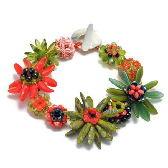 Tutorial - Bead Jewelry - Bracelet  Pattern - Morphing Plum Blossom Beaded Bead