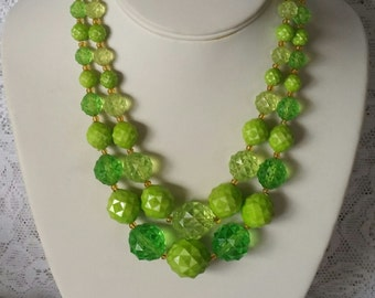Vintage Green Necklace, Fun & Flirty, Vintage, 1950s, Shades of Green, Beaded, Necklace