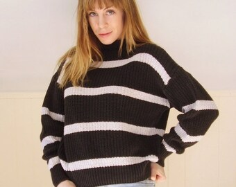 30% Memorial Day Sale ... 90s Chunky Faded Black and White Mock Neck Pullover Knit Sweater - MEDIUM M