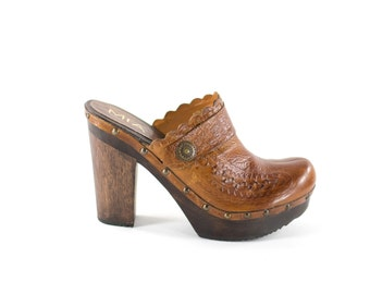 Wood Platform Clogs Brown Tooled Leather Wedge Mules Womens Size 9