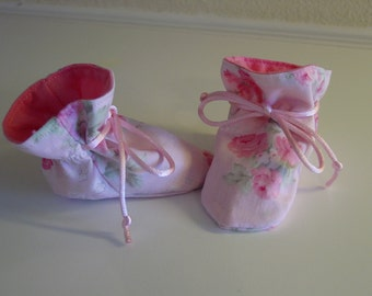 Shabby/Chic TV booties/soft sole shoes SIZE SMALL