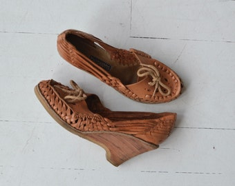 Woven Wedge Loafers | vintage 1970s wedges | 70s huarache shoes 7