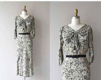 25% OFF.... Chatoyant silk dress | vintage 1930s dress | printed silk 30s dress