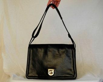 Vintage accordion style handbag, black envelope purse, shoulder bag, 1970s