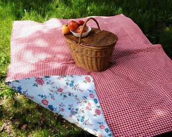 Waterproof Picnic Blanket | Eco Friendly | Picnic Blanket | Pretty Floral