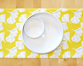 Yellow Leaves Table Runner, Premier Prints Ginkgo Mimosa, Yellow White Spa Blue, Kitchen Nook Dining Room Tablerunner Blossom Flower Floral