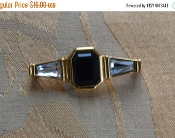 On Sale Pretty Vintage Faux Onyx, Rhinestone Bar Pin, Gold tone (Y11)