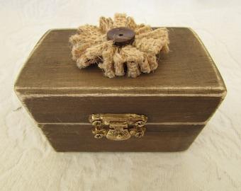 CIJ SALE Boho Rustic Woodland Cottage CHic Wedding Ringbearer Box Burlap Flower