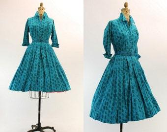 50s Dress Shirtwaist Small Medium / 1950s Dress Cotton Paisley  / Fairhaven County Dress