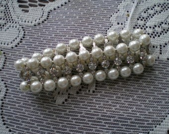 Vintage Pearl and Rhinestoe Stretch Bracelet