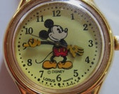 Vintage MICKEY MOUSE Watch -- LORUS Quartz