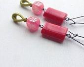 SUMMER SALE vivian girls earrings - vintage lucite and sterling
