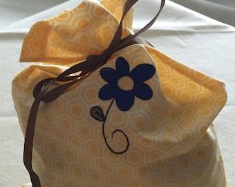 Daisy Lingerie Bag/Shoe Bag/Travel Bag/Overnight Bag