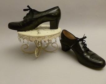 Vintage 1940's Black Tie Oxford Pumps, Heels, Sz 8