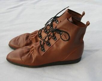 SALE Size 7.5 Vintage L J Simone Brown Leather Ankle Boots Booties Shoes
