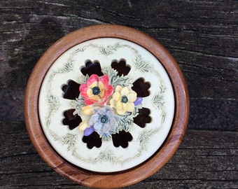 Woodwork. Hand turned pot pourri bowl.Silkwood bowl with lid.Floral resin lid.