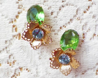 Cheerful Vintage Leaf Green Glass and Light / Pastel Blue Rhinestone Flower / Floral Clip On Earrings, Gold Tone Metal, Flowers, Clip Ons